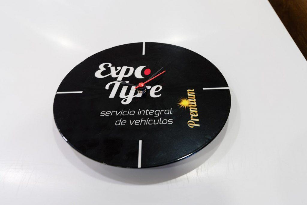 Reloj sublimado para Expotyre