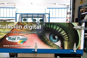Rotulacion-digital-trasera--camion